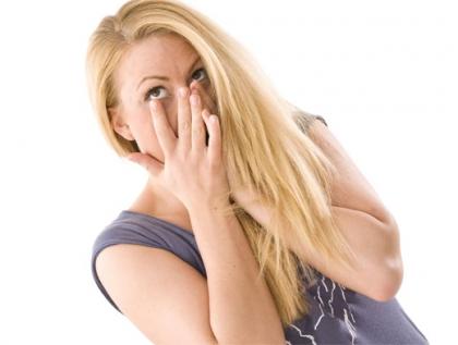 Повышенная слезоточивость - одно из противопоказаний к процедуре