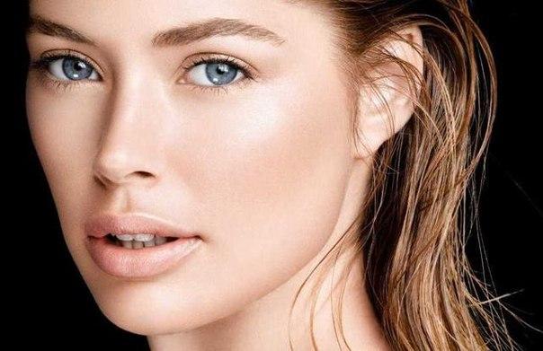 Сделать брови максимально густыми можно с помощью витамина РР