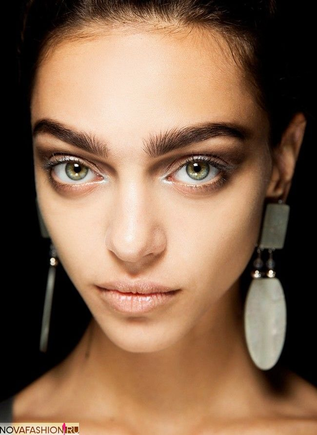 брови модные: густые натуральные темные длинные