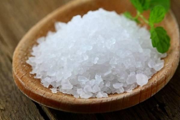 8 рецептов маски для волос с солью. Правила проведения процудуры