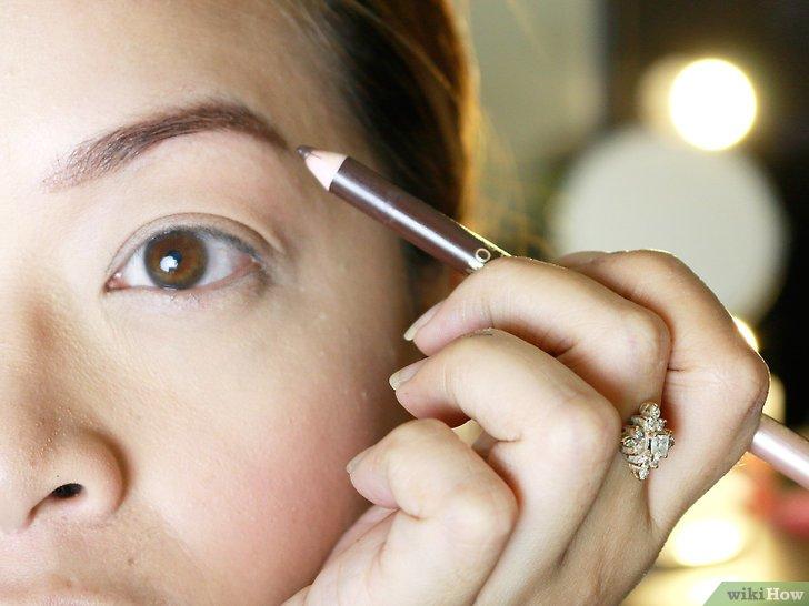 Изображение с названием Make Your Eyebrow Hairs Straight Instead of Curly Step 10