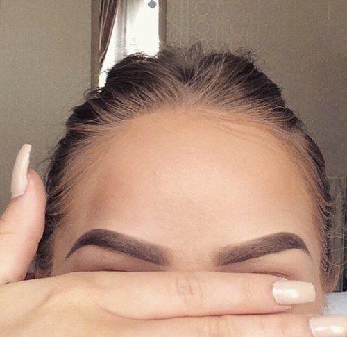 Зачем нам нужен пилинг для бровей: все про процедуру для улучшения роста волос