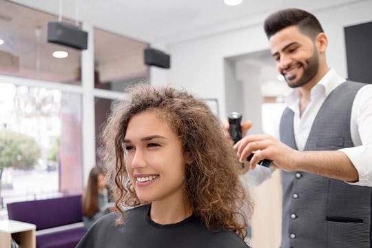 Укладка кудрявых волос: советы от эксперта