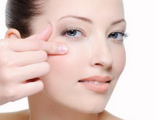 Как избавиться от гусиных лапок вокруг глаз: лучшие методы в домашних условиях