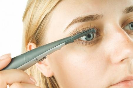 Как правильно красить брови карандашом?