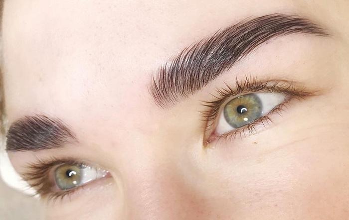 Светлые глаза