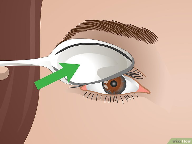 Изображение с названием Curl Your Eyelashes Without an Eyelash Curler Step 3