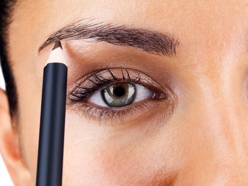 Особенности выбора карандаша для бровей