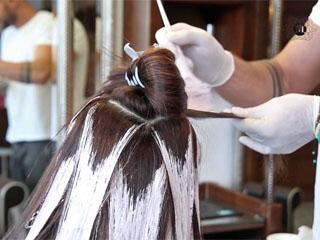 Как делают мелирование с эффектом выгоревших на солнце волос, кому оно подойдет
