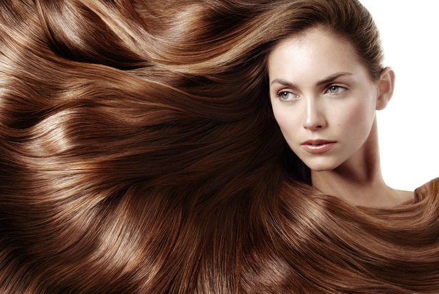 Восстановление поврежденных волос: что окажется эффективнее – шампуни, маски или салонный уход?