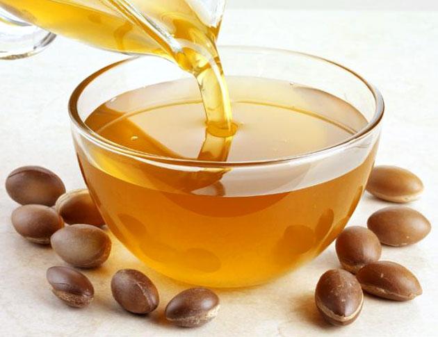 Как правильно применяется аргановое масло для ресниц и бровей? Рецепты с его использованием